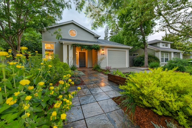 How Does a Yard Add to a Home's Value?