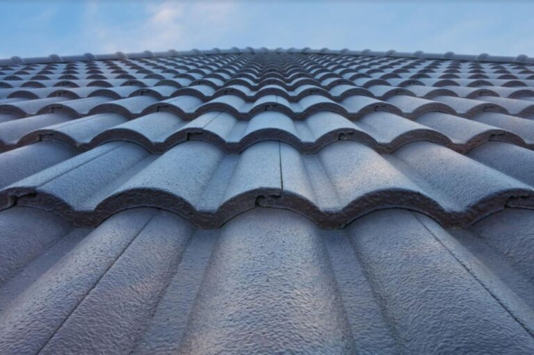 How to Pick the Right Roofing Material for Your House