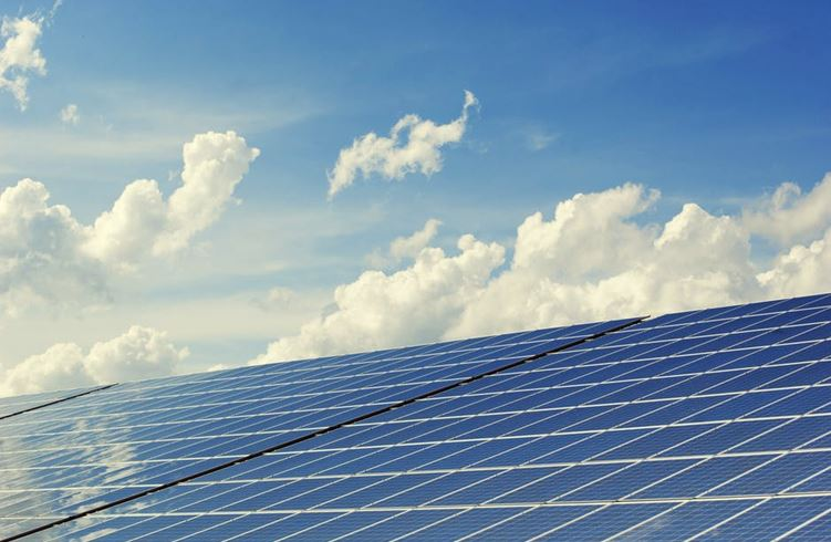 How Many Solar Panels Are Needed To Power a Home?