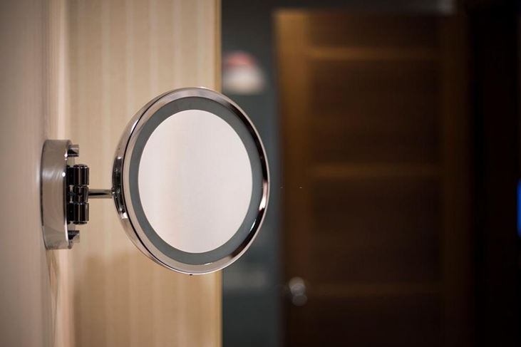 Double-Sided-Round-Vanity-Mirror
