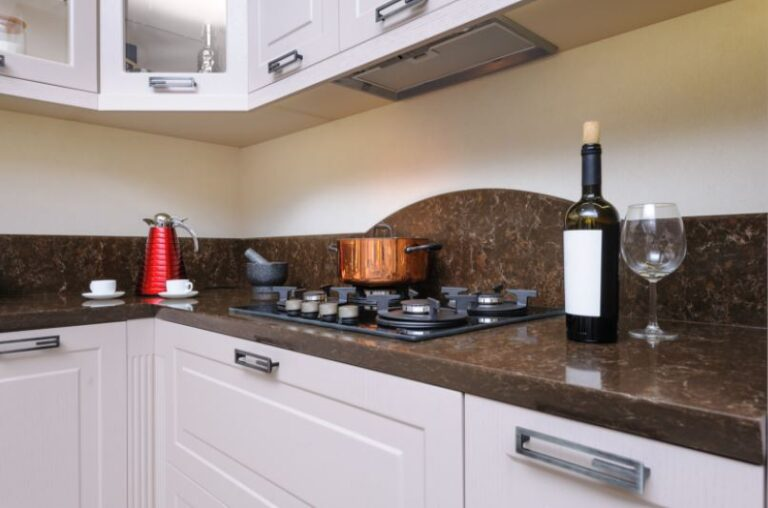 The smart strategy to keep your home wine racks clean