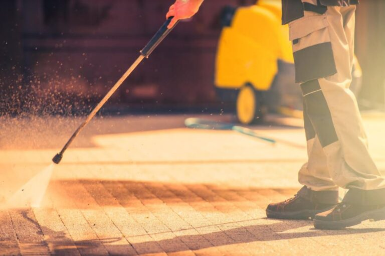 15 Key Pressure Washing Tips That You Must Know