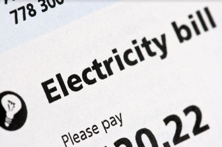 5 Causes of Expensive Electric Bills (and How to Lower Them)
