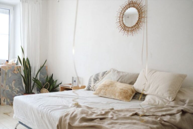 Tips to Decorate Your bedroom Properly