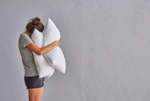 3 Ways Your Pillow Is Ruining Your Sleep