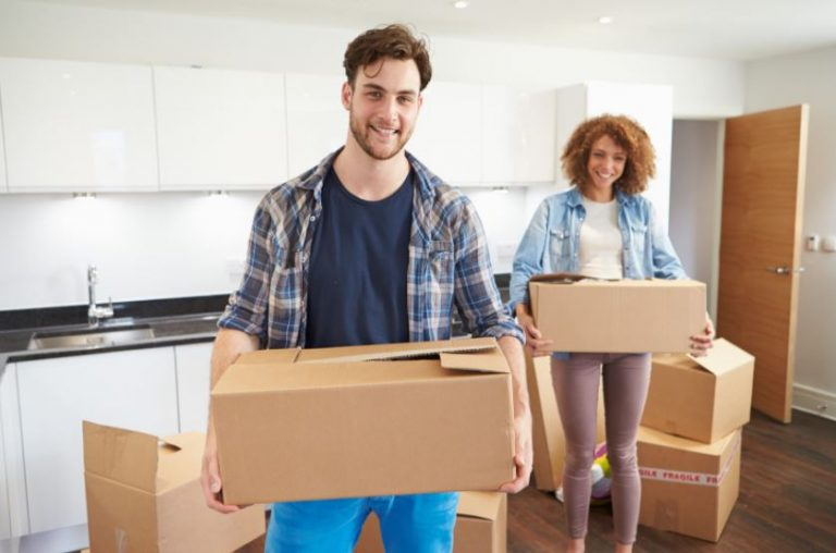 Why You Should Hire Professionals To Help With Moving Home