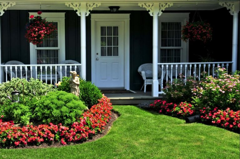 First Impressions: 5 Easy Landscaping Ideas for the Front of the House