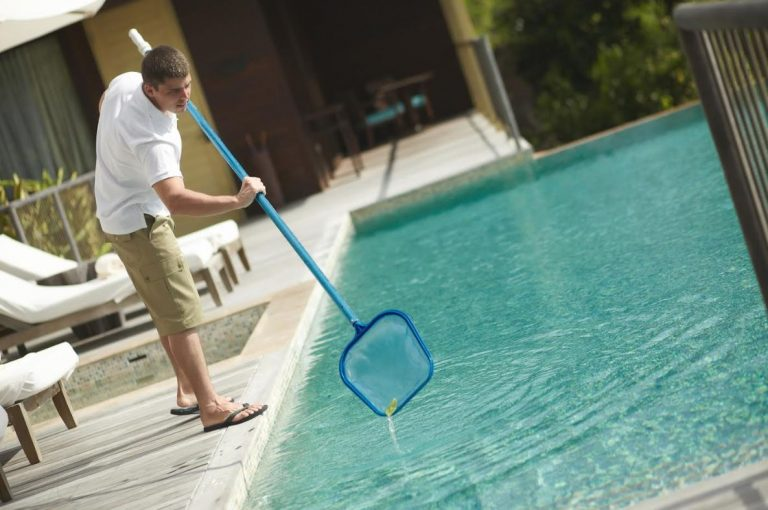 How to Clean a Swimming Pool: A Step-by-Step Guide