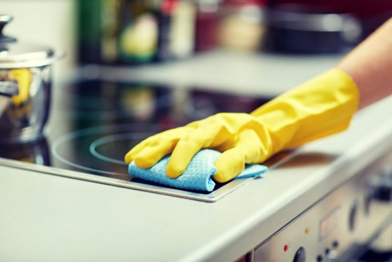 4 Factors to Consider When Buying Cleaning Products