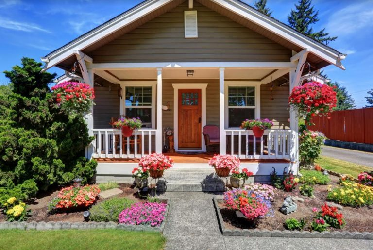 12 Expert-Approved Ways of Adding Curb Appeal