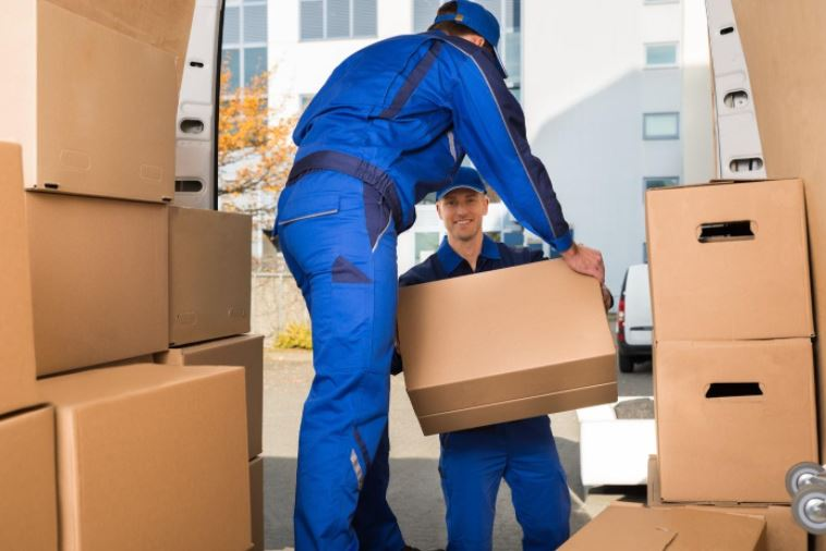 How Do I Choose the Best Moving Company in My Local Area?