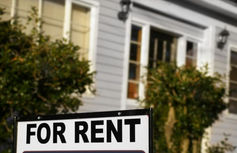 How to Set Rental Price: 9 Key Factors to Consider