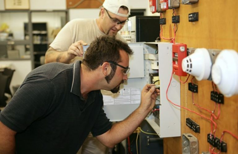 Top 8 Electrifying Signs of a Compromised Wiring System