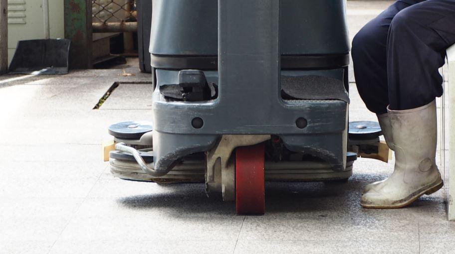 Floor-Scrubbers