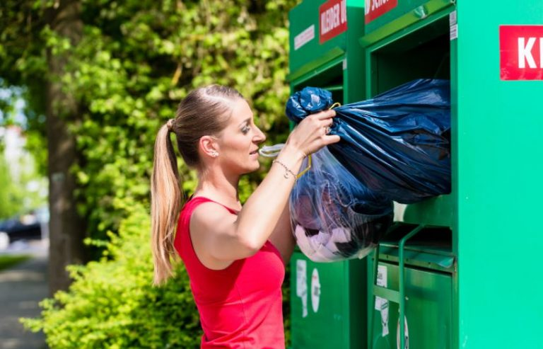 3 Reasons for Hiring Skip Bins for Hassle-Free Waste Disposal