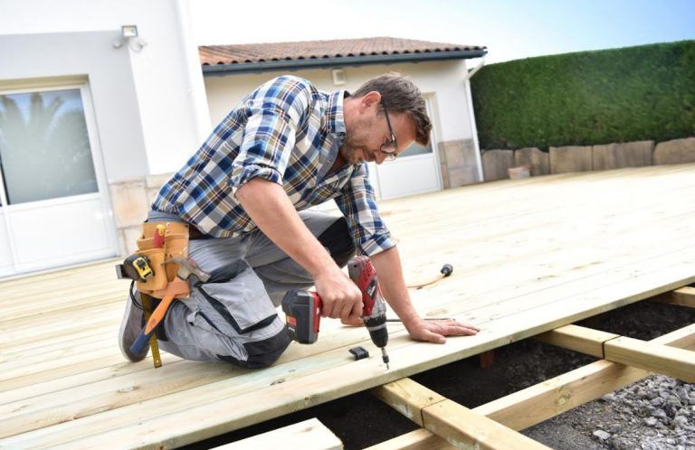 7 Tips on Choosing a Deck Building Company for Homeowners