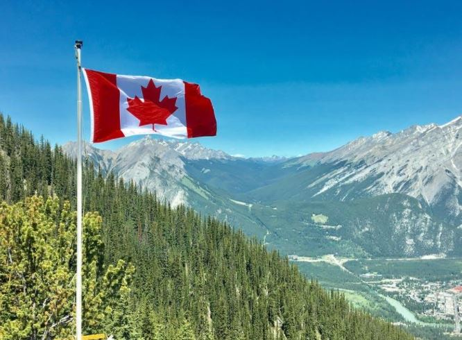 6 Reasons to Move to Canada